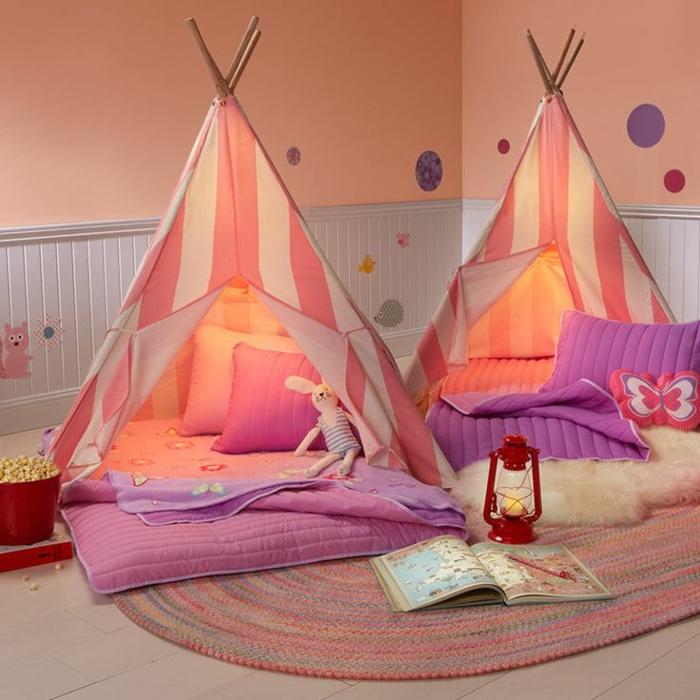 kokette-Kinderzimmer-Gestaltung-für-Mädchen-tipi-zelte-grelle-süße-Farben