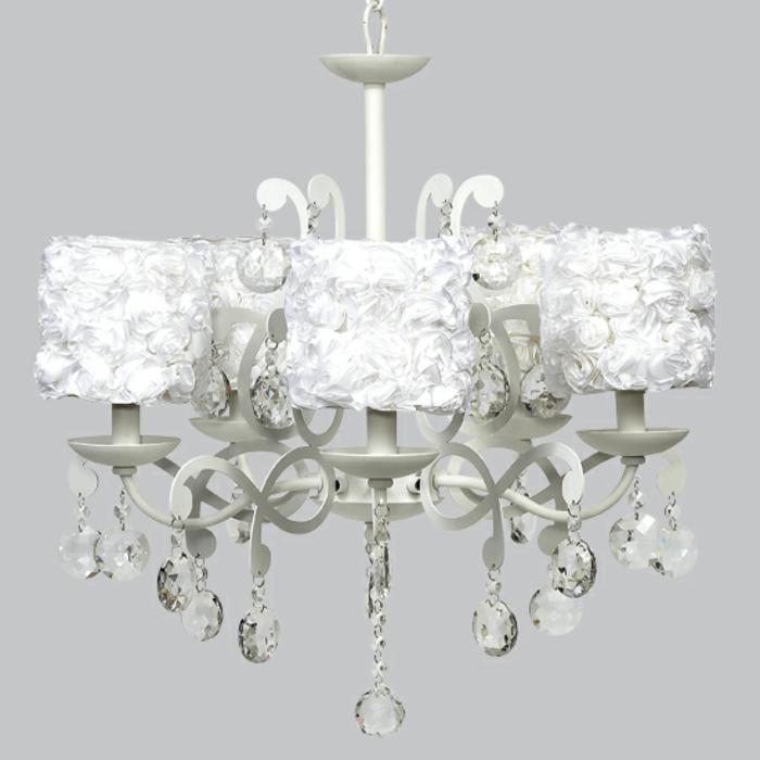 kronleuchter-in-weiß-einmaliges-modell