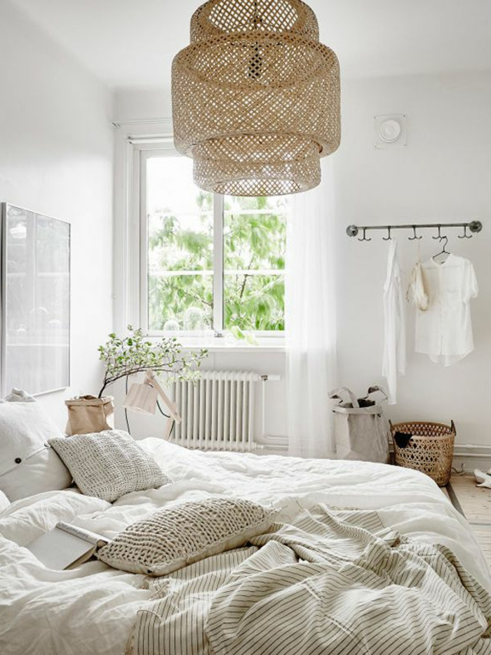 kronleuchter-in-weiß-modernes-schönes-schlafzimmer