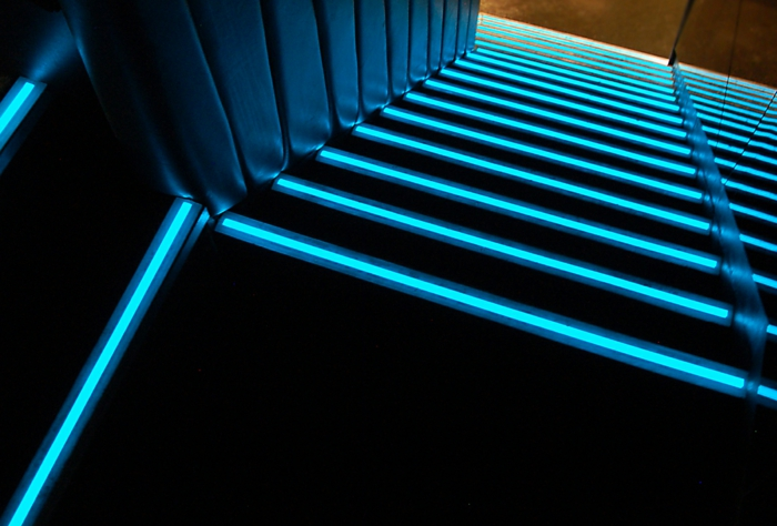 led-treppenbeleuchtung-cooles-foto-von-oben-genommen