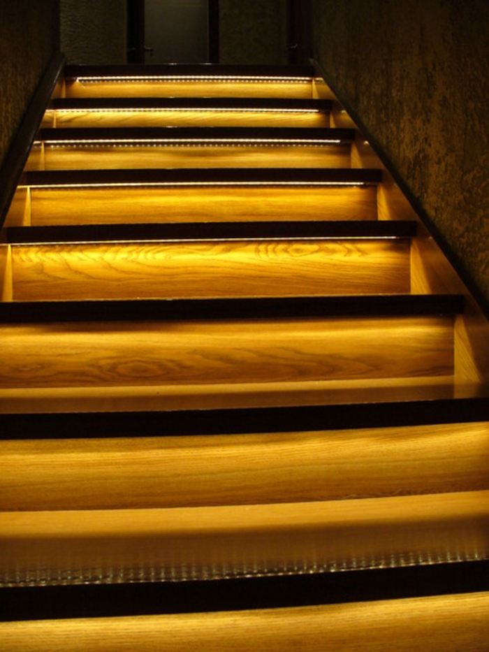 led-treppenbeleuchtung-gelbes-design-super-look