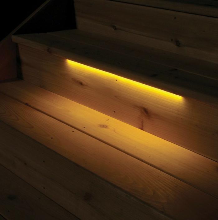 led-treppenbeleuchtung-gelbes-licht-super-tolle-gestaltung