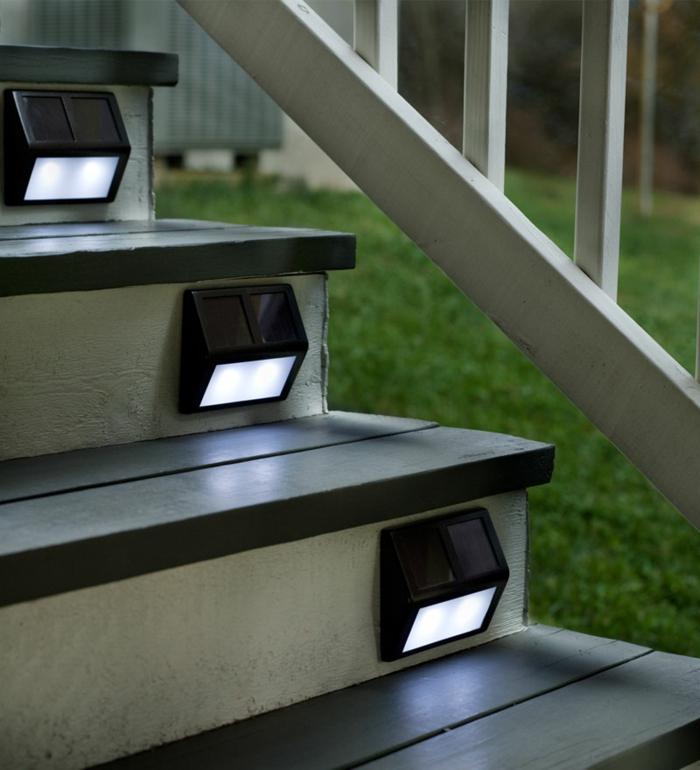 led-treppenbeleuchtung-hölzerne-oberflächen