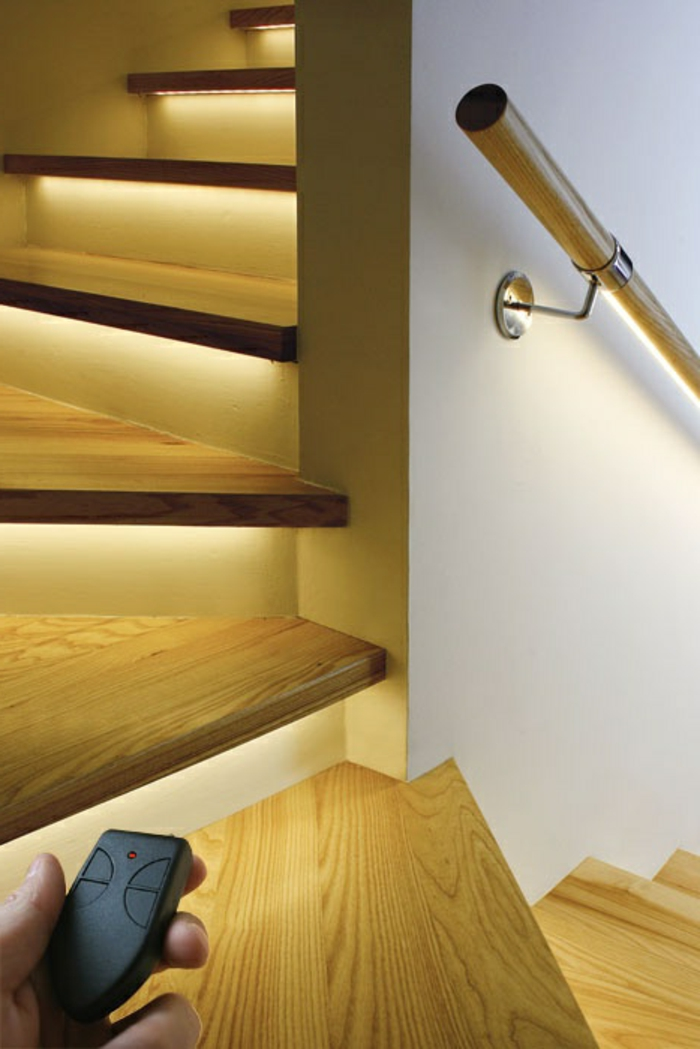 led-treppenbeleuchtung-hölzerne-schöne-treppen