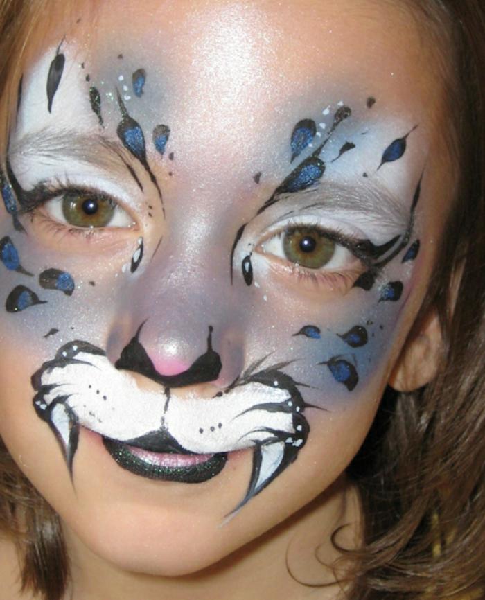 leopard-gesicht-schminken-ein-kleines-mädchen
