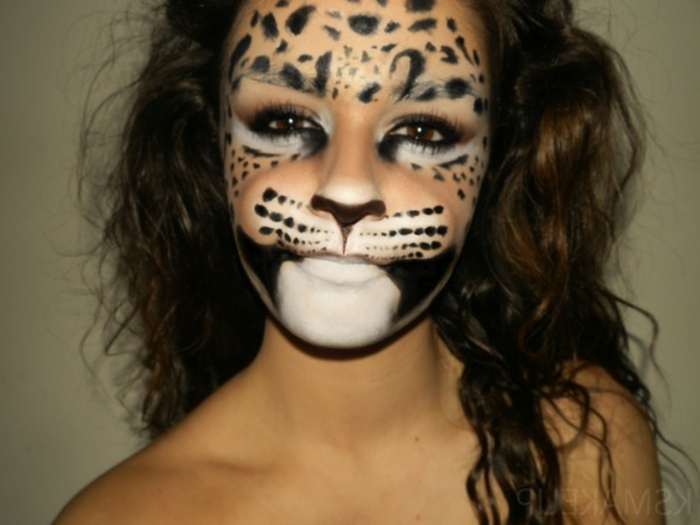 leopard-gesicht-schminken-maul-in-weiß
