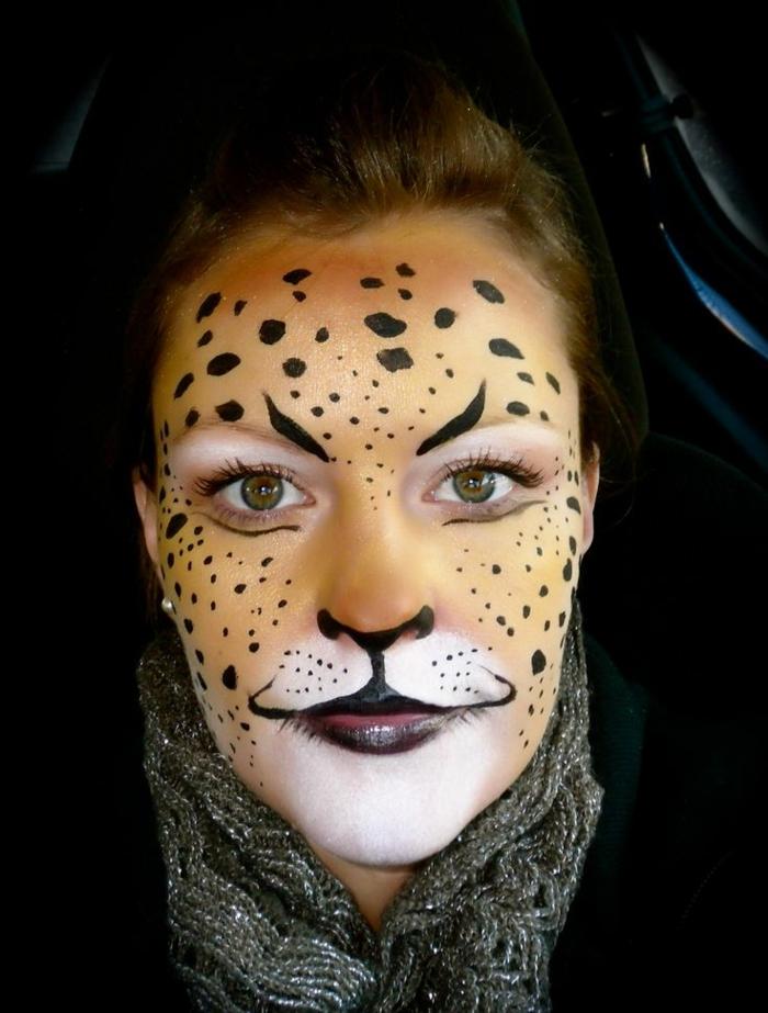leopard-gesicht-schminken-orange-farbtönungen
