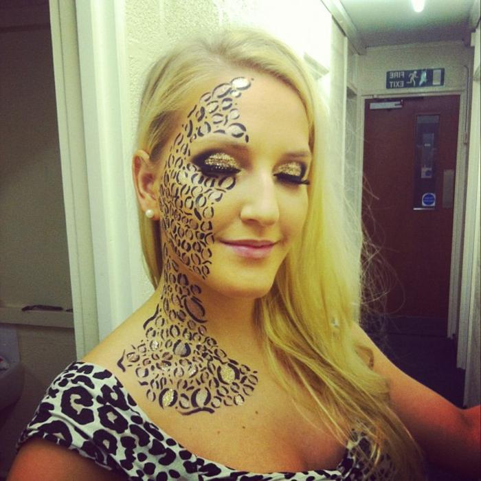 leopard-gesicht-schminken-schöne-blonde-frau