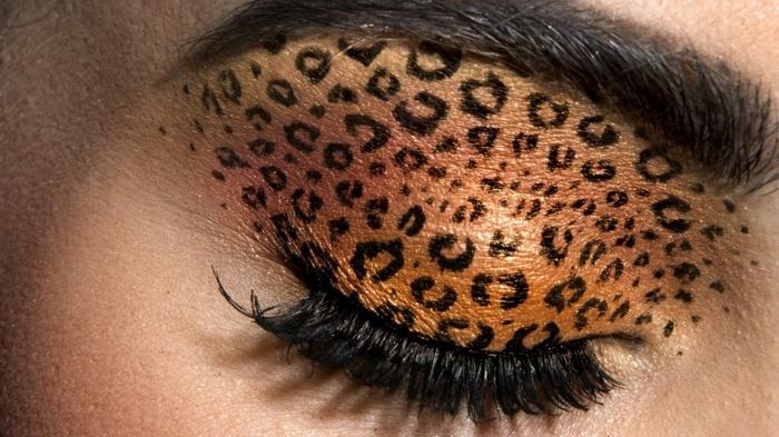 leopard-gesicht-schminken-sehr-interessantes-make-up-machen
