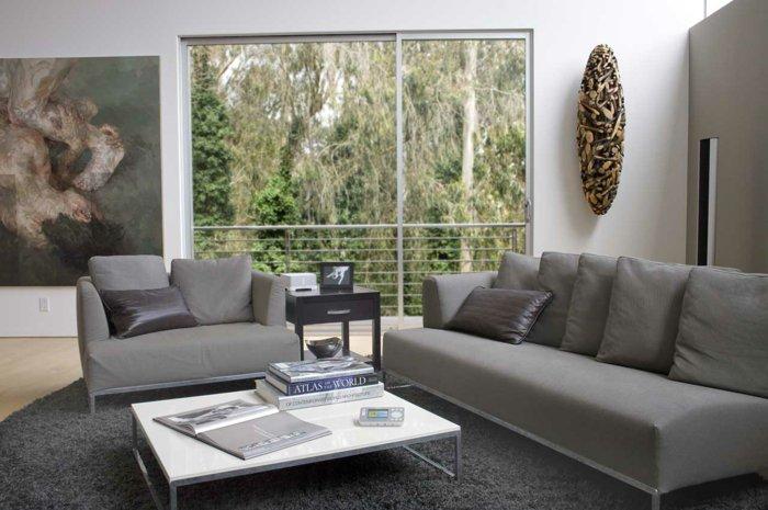 malerische-leinwandbilder-graues-wohnzimmer-interieur