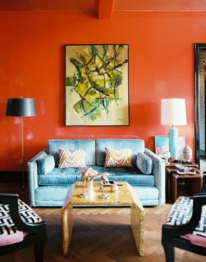 malerische-wandbilder-kunst-rote-Wand-bequeme-Möbel