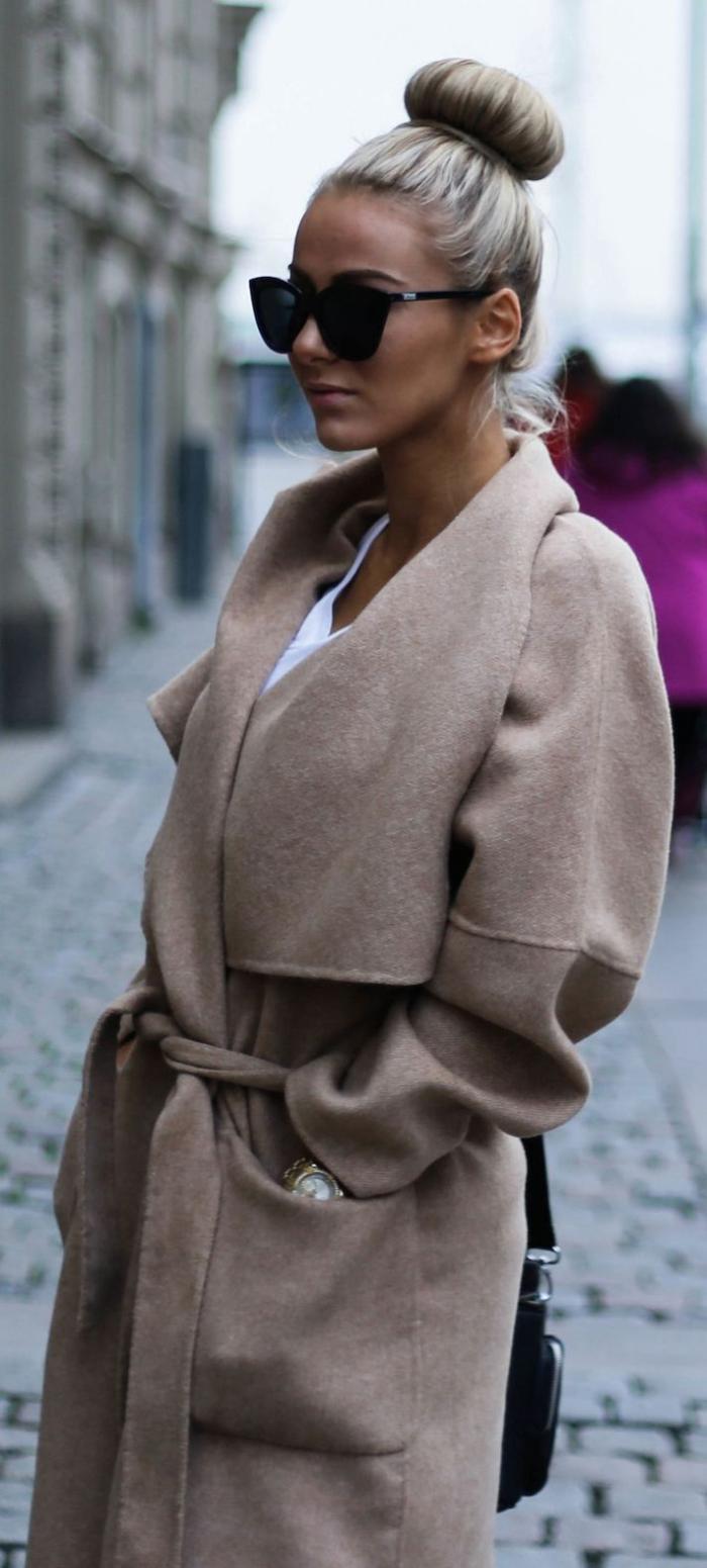 mantel-Karamell-Farbe-schönes-Modell-Sonnenbrille