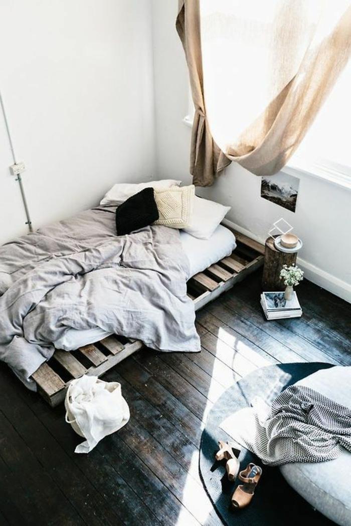 Großartig Minimalistisches Schlafzimmer Interieur Bett Aus Europaletten