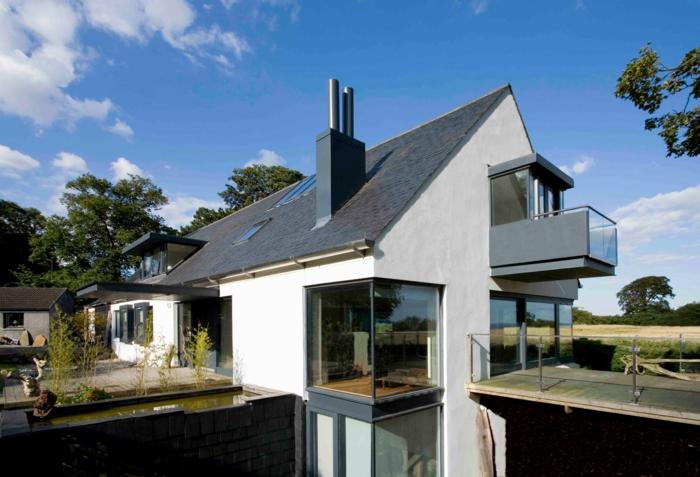 modellhaus-bauen-moderne-satteldachhäuser