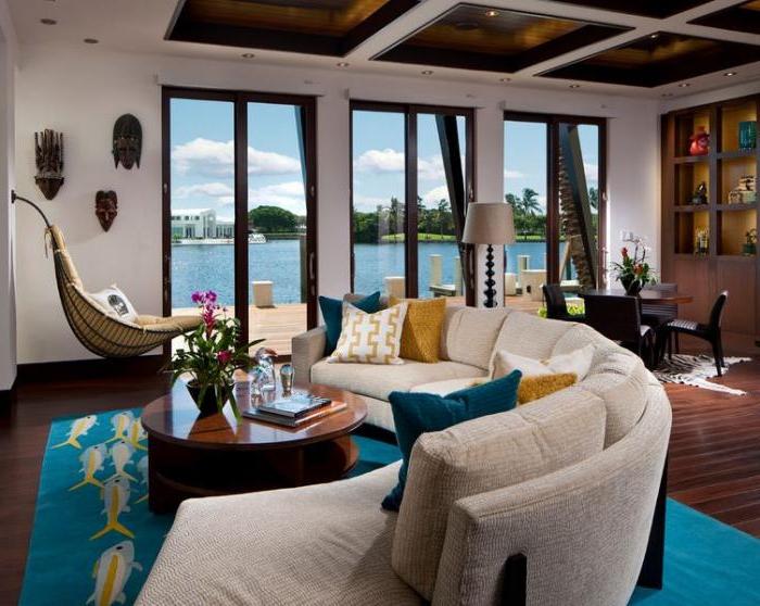 moderne-couch-halbrunde-Form-beige-Samt-Ferienhaus-luxuriöse-Ausstattung-Hängematte