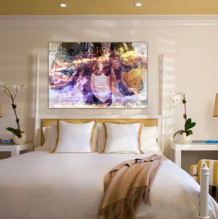 moderne-farbgestaltung-schlafzimmer-champagner-wandfarbe