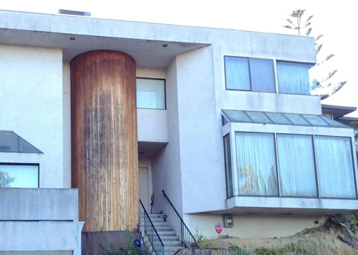 moderne-fertighäuser-mit-fassade-in-weiß-flachdach-modell