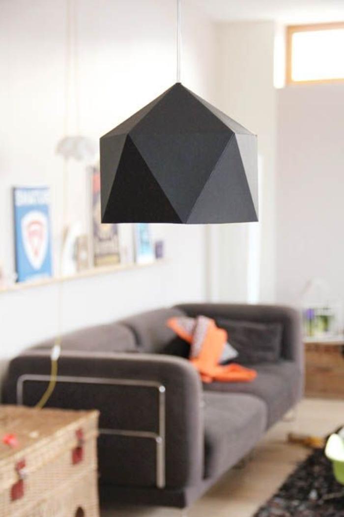 modernes-Interieur-stilvolle-schwarze-Lampe-feines-Design