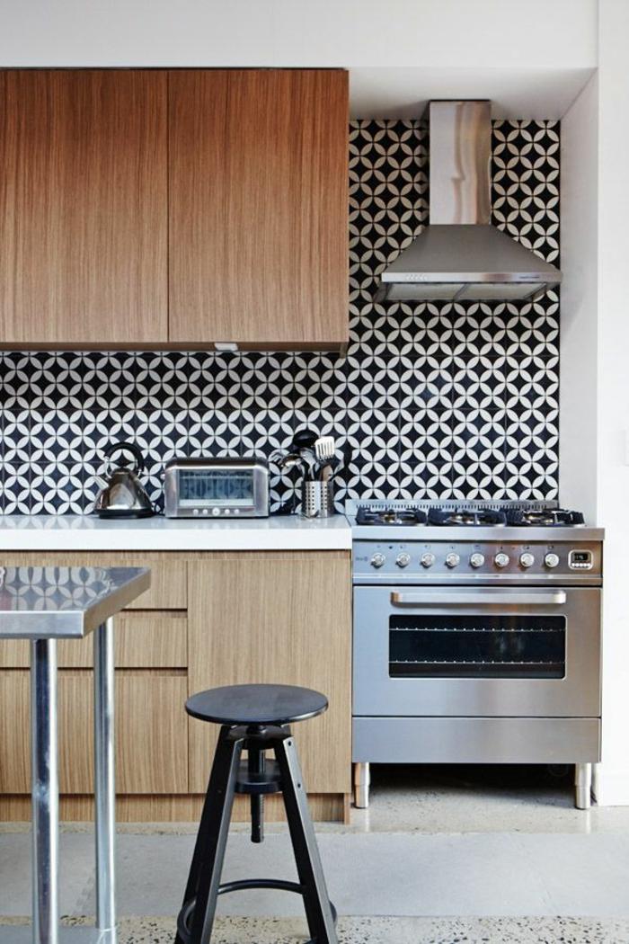 modernes-Küchen-Interieur-coole-Tapeten-schwarz-weiße-Kombination