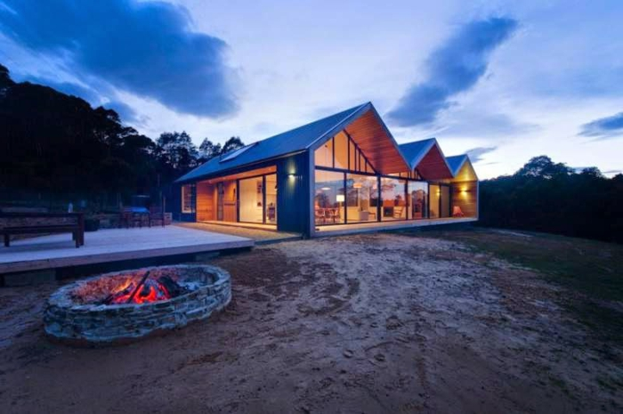 modernes-bauen-design-fertighaus-schöne-moderne-satteldachhäuser
