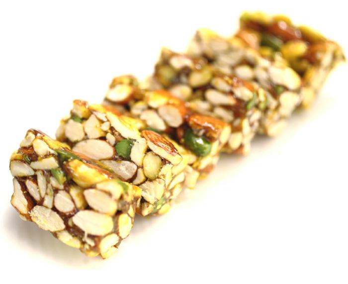 nahrhafte-Süßigkeiten-ohne-zucker-Stücke-Nüsse
