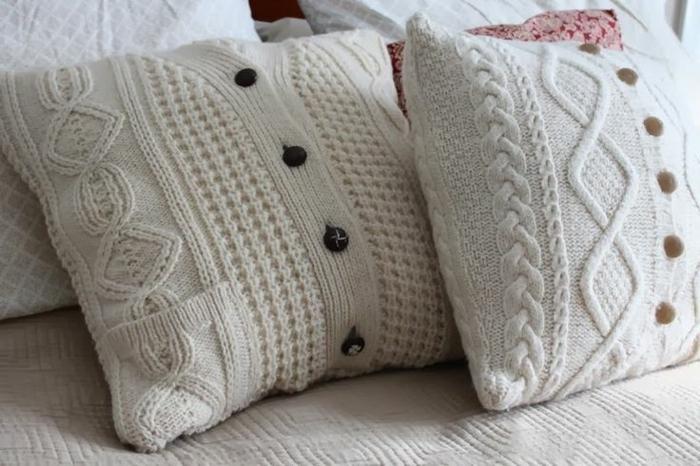 originelle-Idee-für-kissenhüllen-Pullover-Modell-gestrickt-handgemacht-DIY-Idee