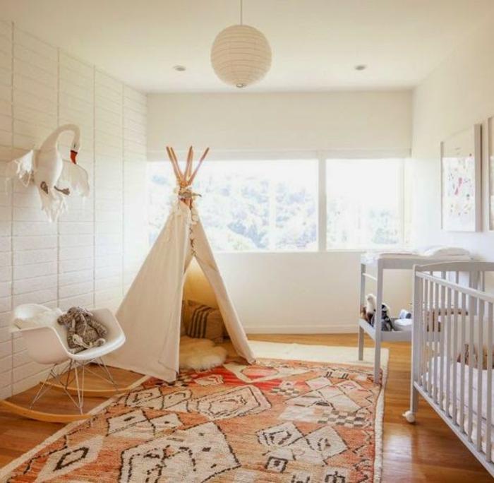 originelle-Kinderzimmer-Gestaltung-weißes-Zelt-Akzent