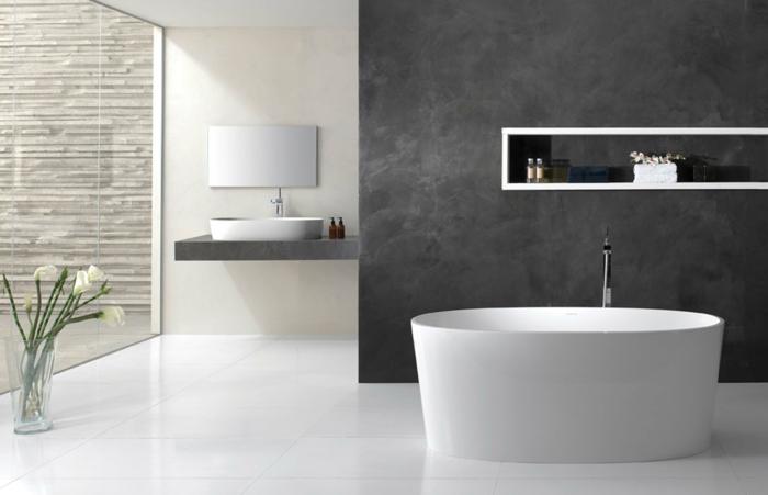 originelle-wohnideen-bad-weiße-badewanne-dunkle-wandgestaltung