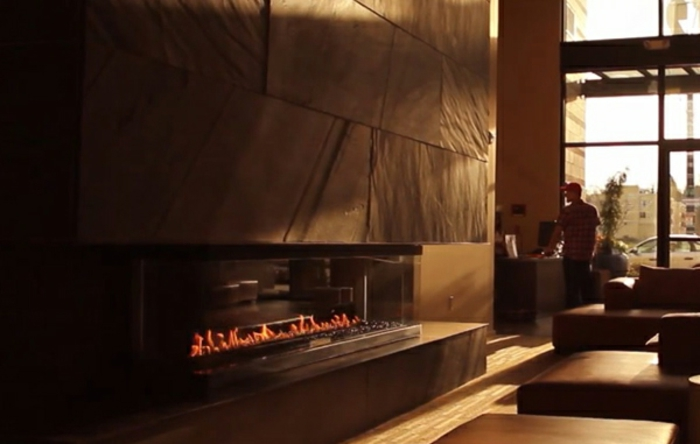 panorama-kamin-romantische-atmosphäre-im-wohnraum