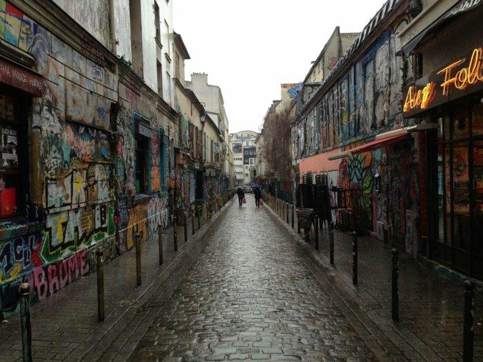 paris-urlaub-tipps-auf-der-strasse-stadtfahrt