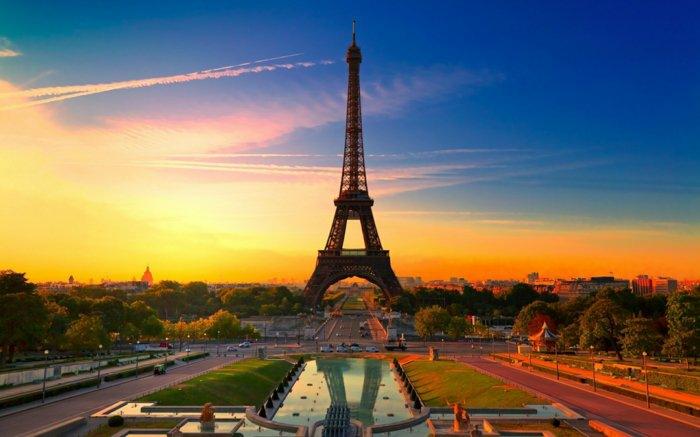 paris-urlaub-tipps-eiffelturm-sonnen-aufsicht