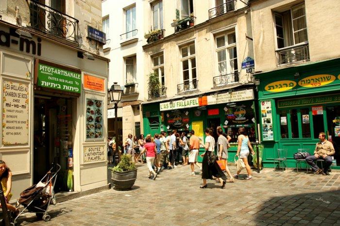 paris-urlaub-tipps-strassen-viele-leute