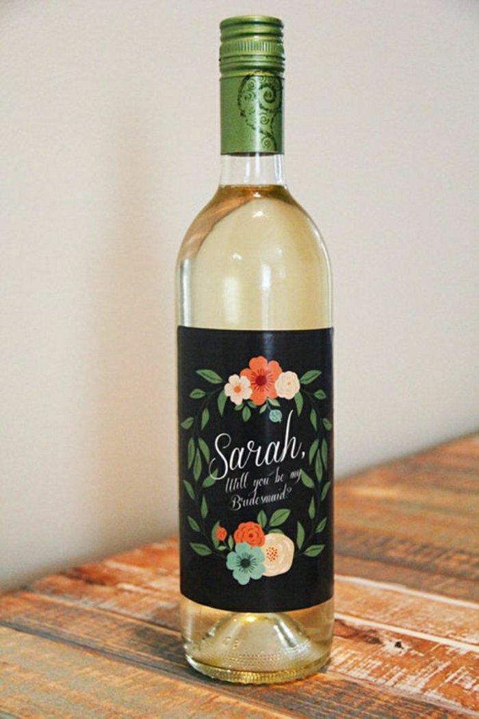 personalisierte-Etiketten-Weinflasche-Weißwein-spezieller-Anlass-Brautjungfern