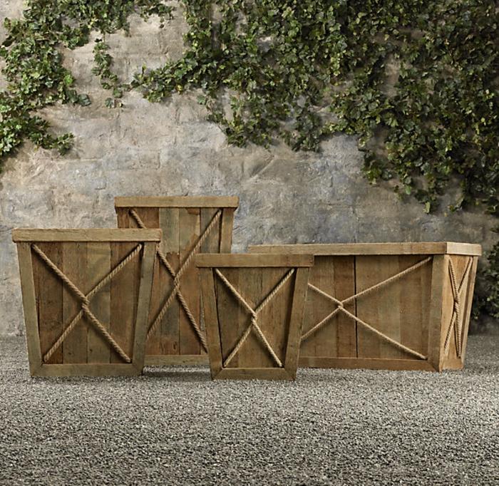 pflanzk bel aus holz f r eine rustikale gestaltung. Black Bedroom Furniture Sets. Home Design Ideas