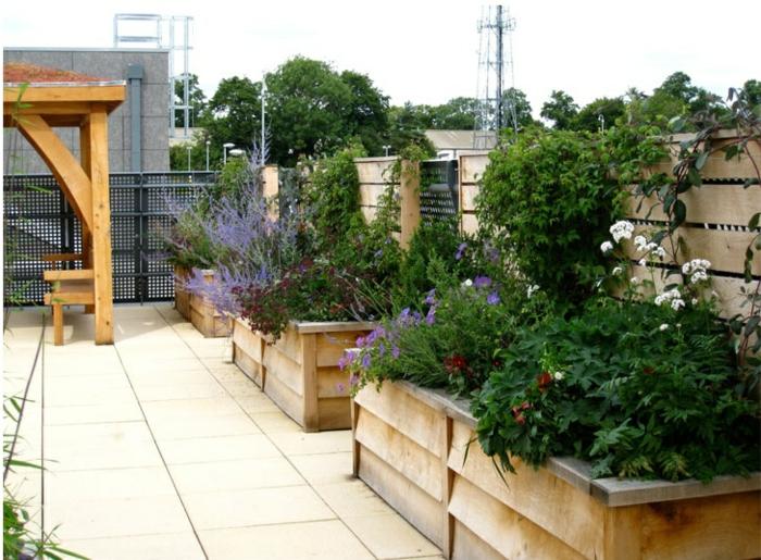 pflanzkübel-eichenholz-für-große-terrasse-oder-garten