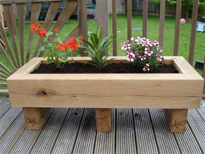 pflanzkübel-eichenholz-schlicht-für-terrasse-oder-veranda