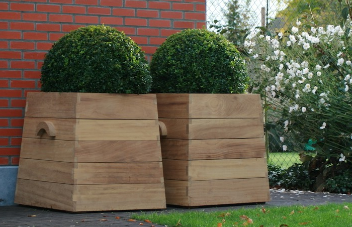 Pflanzkübel Aus Holz Für Eine Rustikale Gestaltung