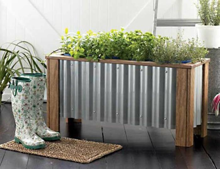 pflanzkübel-holz-aluminium-kleine-matte