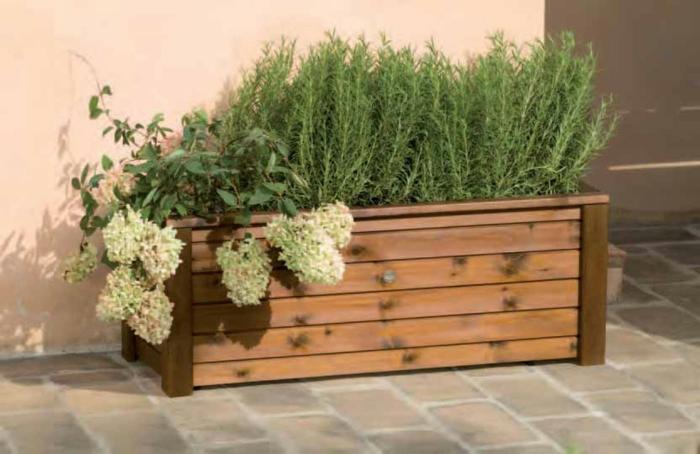 pflanzkübel-holz-mit bepflanzune-grün