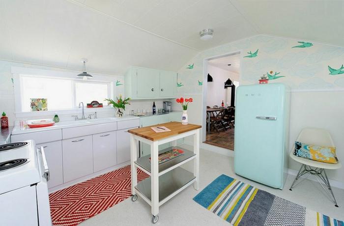 räumliche-Küche-blauer-Kühlschrank-Tapeten-romantisches-Muster-Vögel