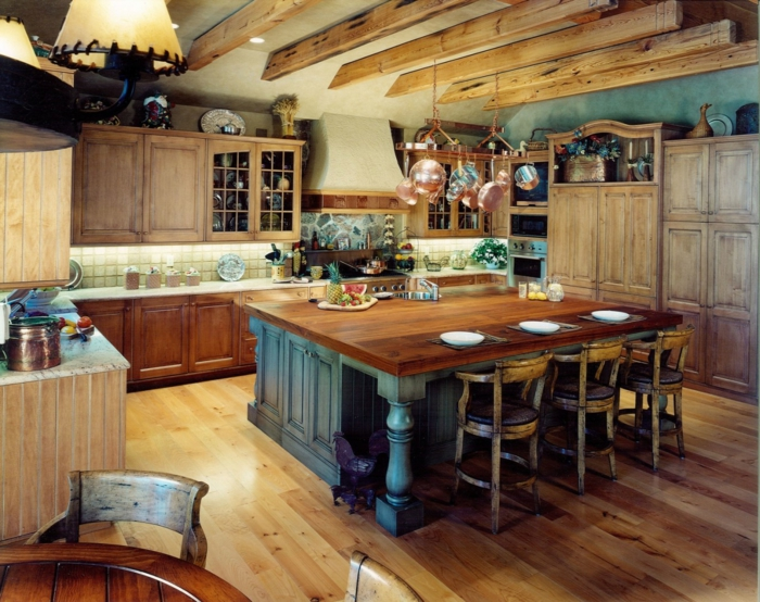 räumliche-küche-landhausstil-Landhaus-Deko-Regale-Schränke