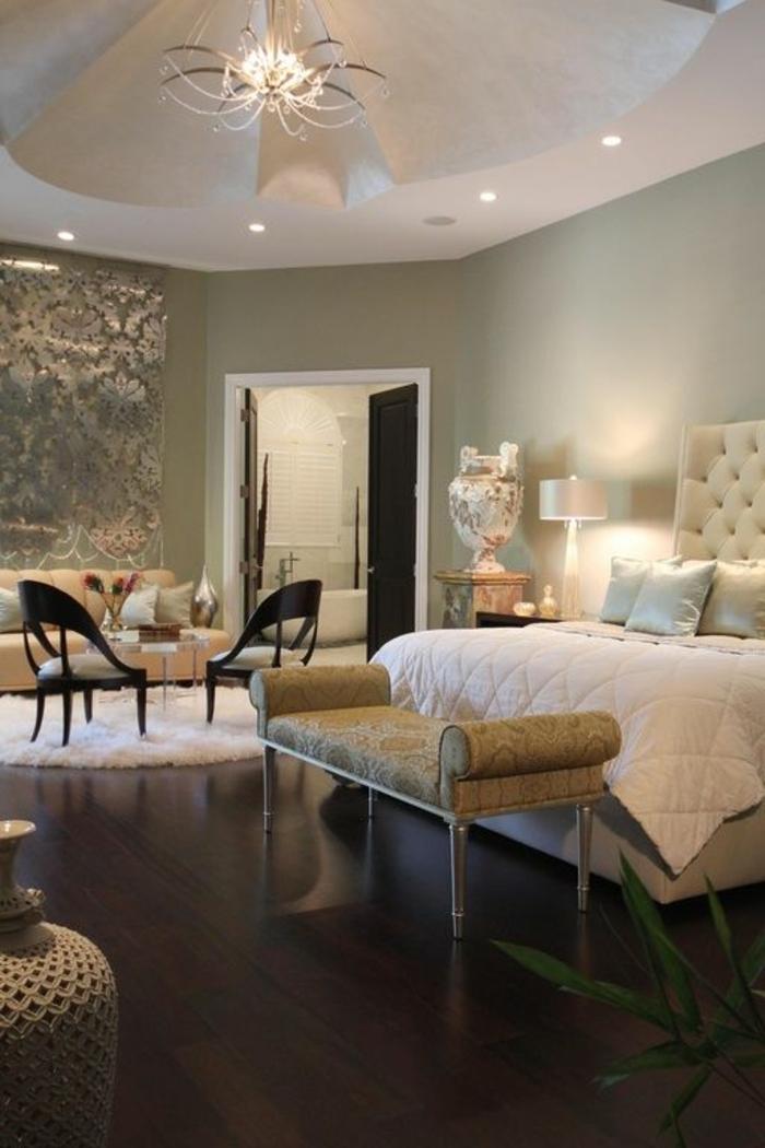 räumliches-Schlafzimmer-exquisites-Interieur-kingsize-bett