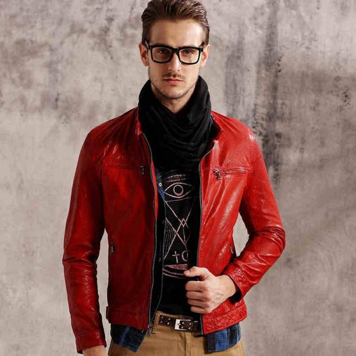 rote-lederjacke-männliche-mode-wunderschönes-foto