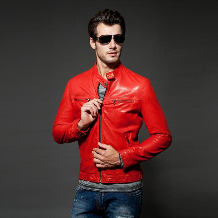 rote-lederjacke-originelle-mode-für-männer