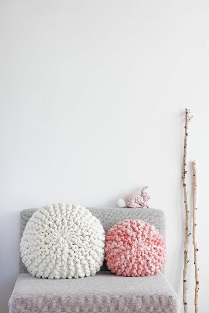 runde-Crochet-Kissen-rosa-weiß-DIY-Idee