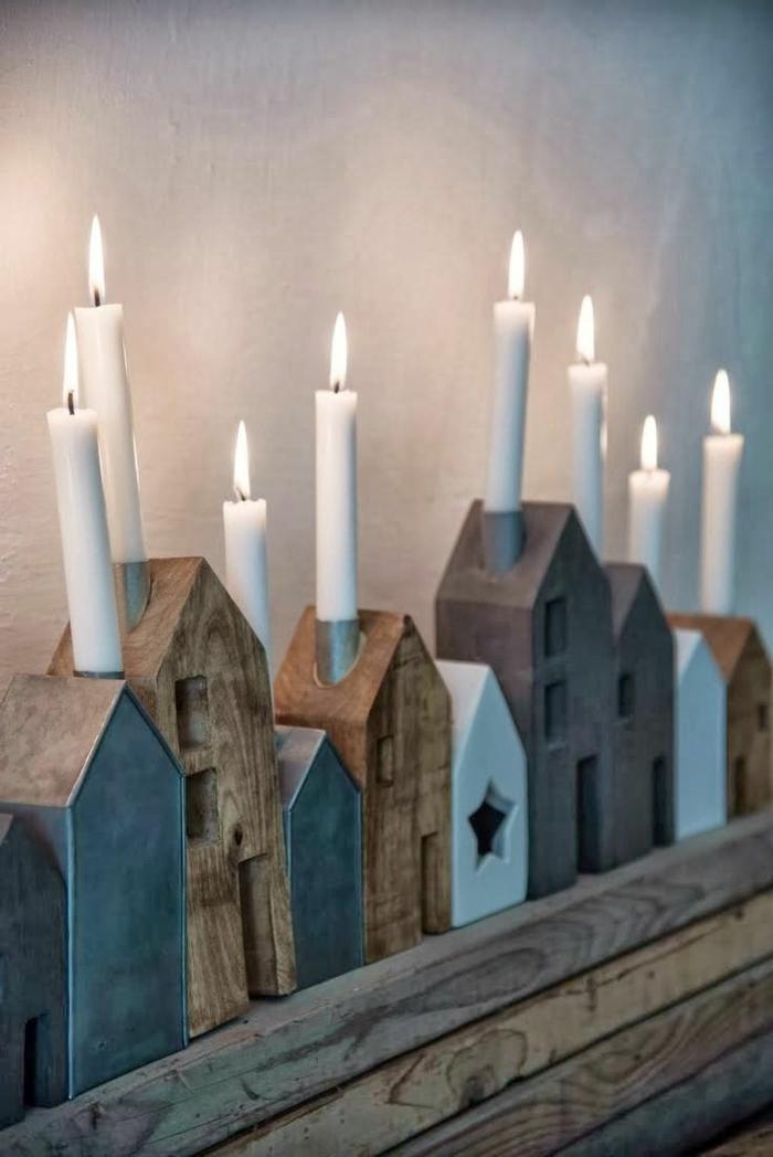 rustikale-Dekoration-hölzerne-Häuschen-Kerzen-Weihnachtsdekoration