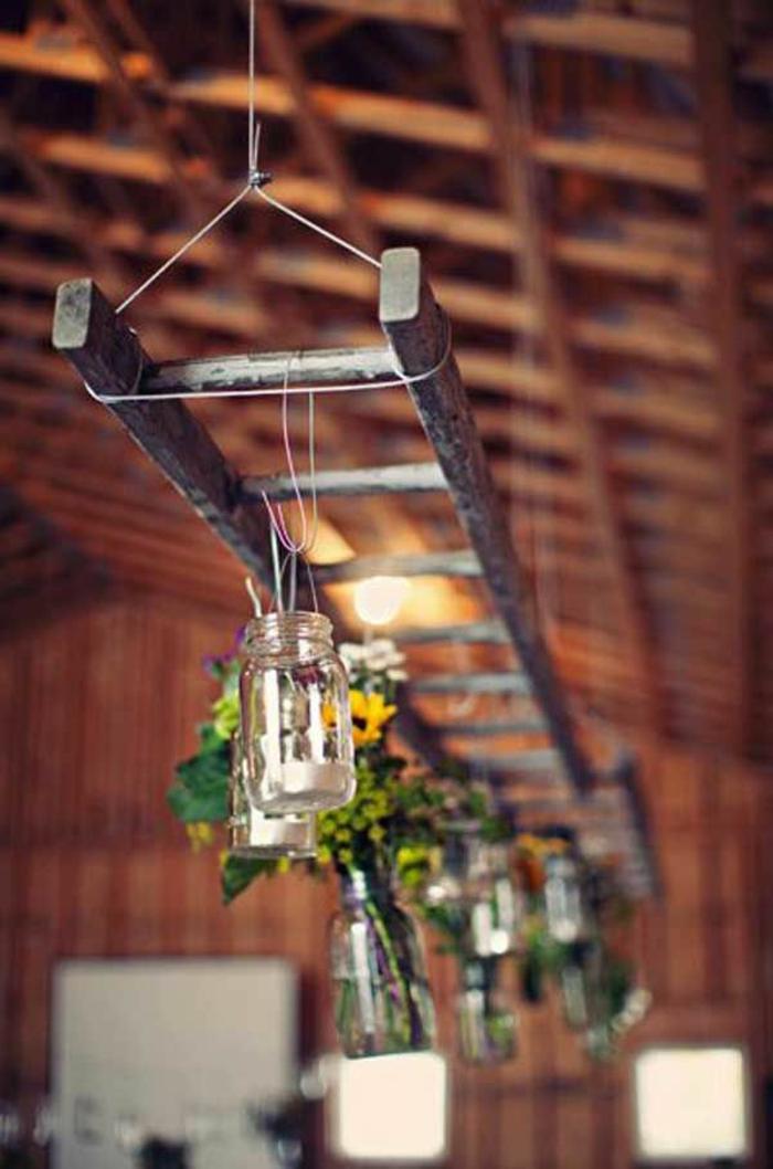 rustikale-Hochzeit-Dekoration-hängende-Einmachgläser-Blumen