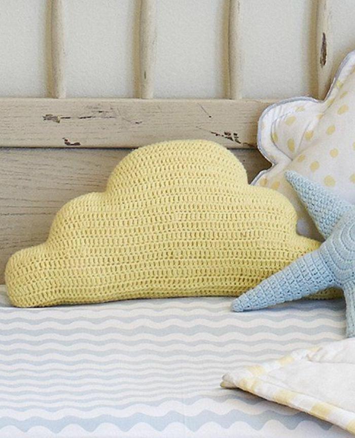 süße-Crochet-Modelle-Kissenbezüge-gelb-blau-Wolken-Form