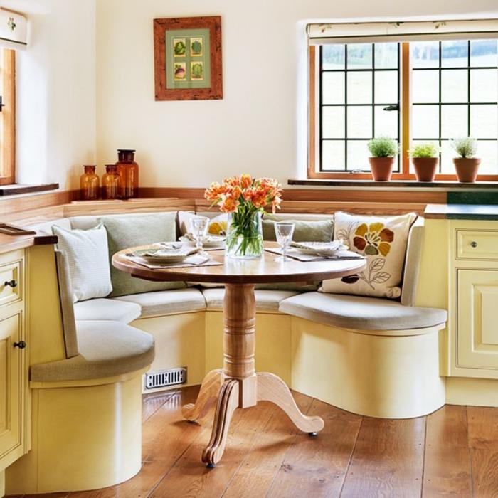 schöne-eckbank-rund-gemütliche-küche-im-landhausstil