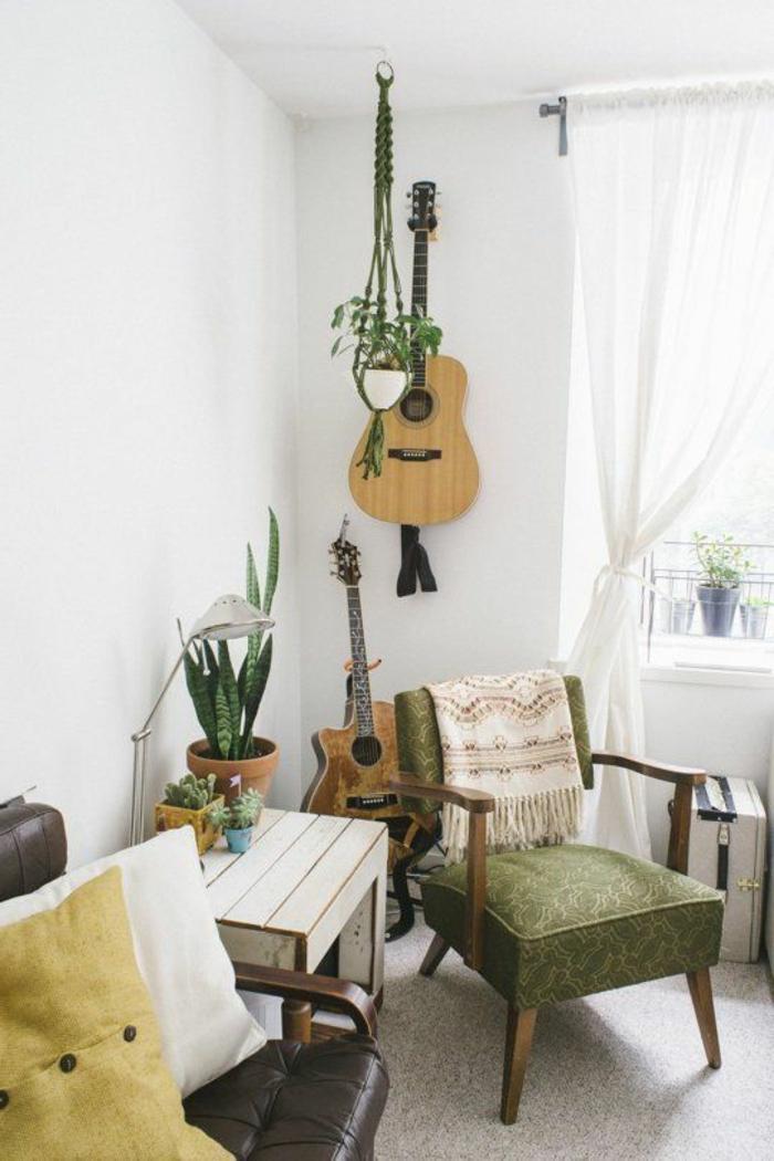 schönes-vintage-Interieur-akustische-Gitarren